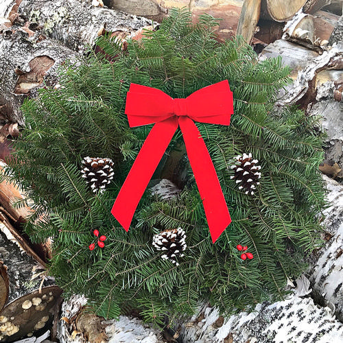 Traditional Small Wreath - 18 inch